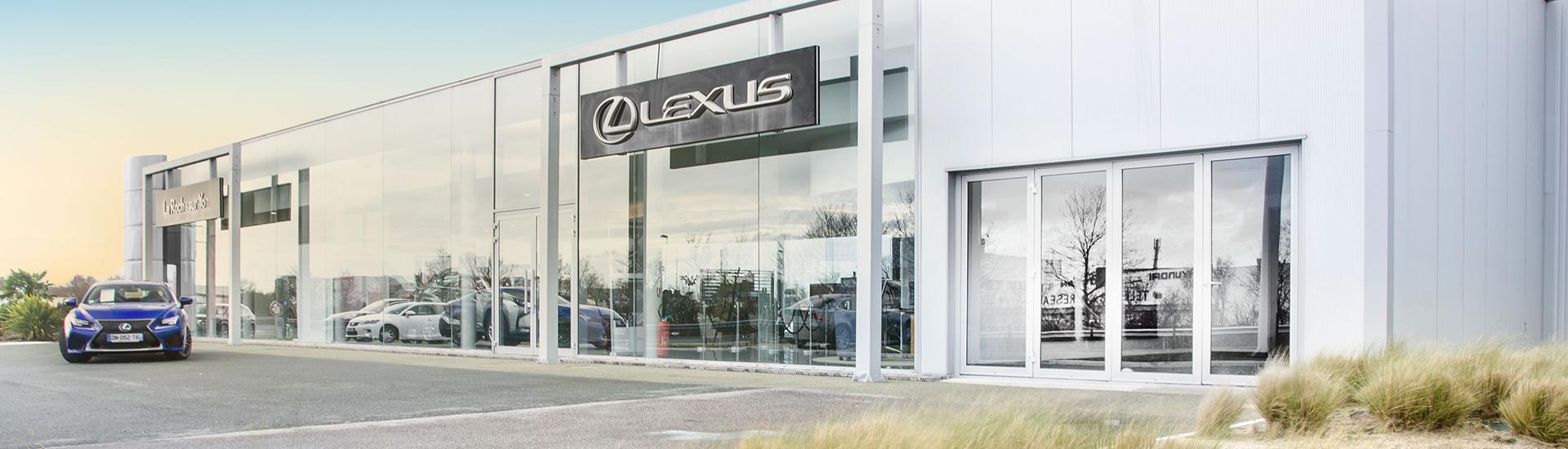 Concession Lexus Toys Plus de La Roche sur Yon en Vendée (85).