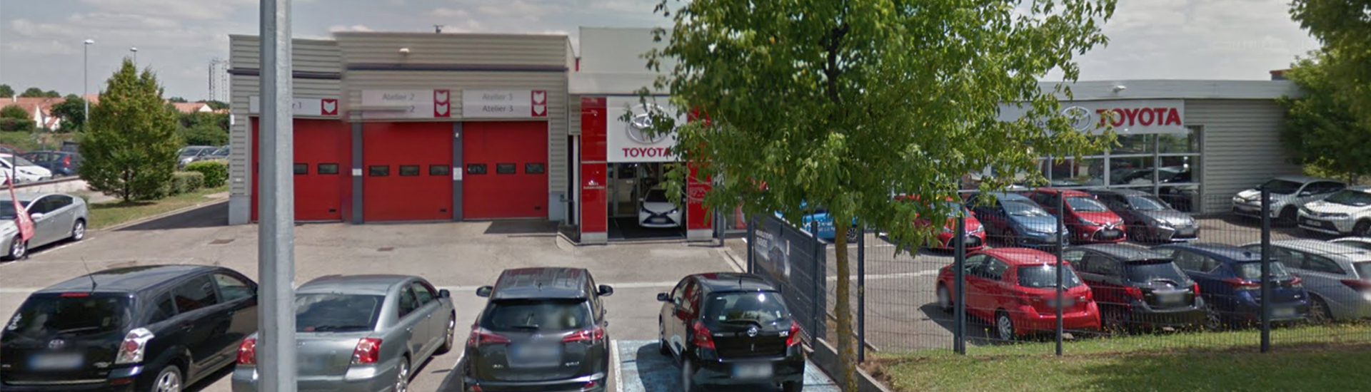 Facade de la concession TOYOTA Toys Motors à Laxou en Meurthe-et-Moselle (54).